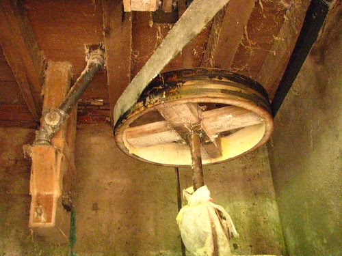 Mecanismos do antigo moinho de água II
