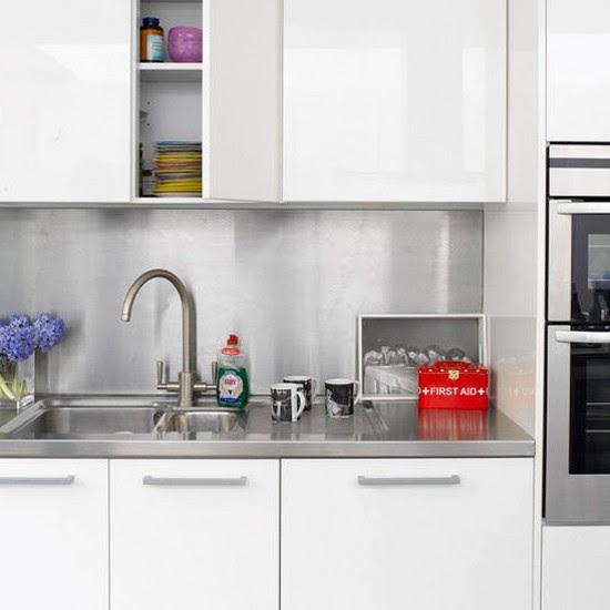 Stainless steel splashback | Modern kitchen | Kitchen ideas ...