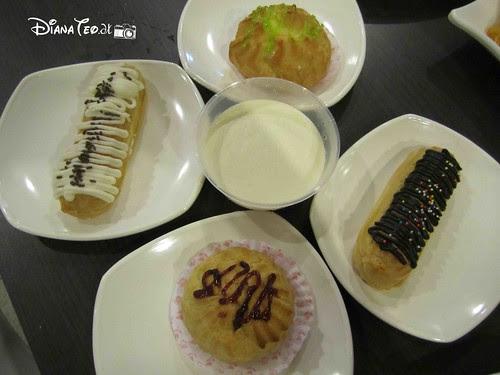 Huge Cafe Damai 24