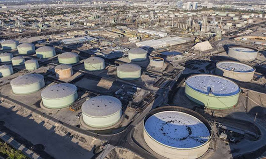 Workplace safety and health update on tap for California oil refineries - Business Insurance
