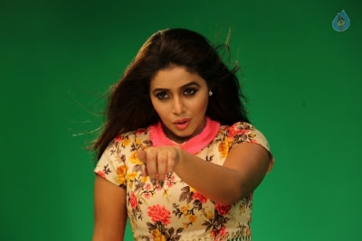 Poorna New Gallery - 7 of 33