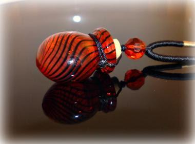 Halskette Red Stripes