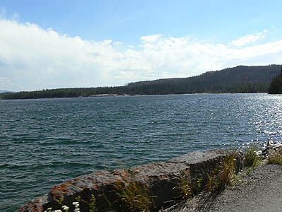 yellowstone lake.jpg