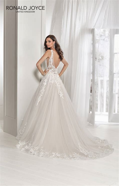 Taylor ? Hoops A Daisy Bridal Boutique