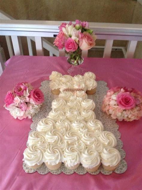 Wedding Dress Pull Apart Cake   Pull Apart Cakes