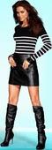 Irina Shayk Minifalda De Cuero Con Botas Altas