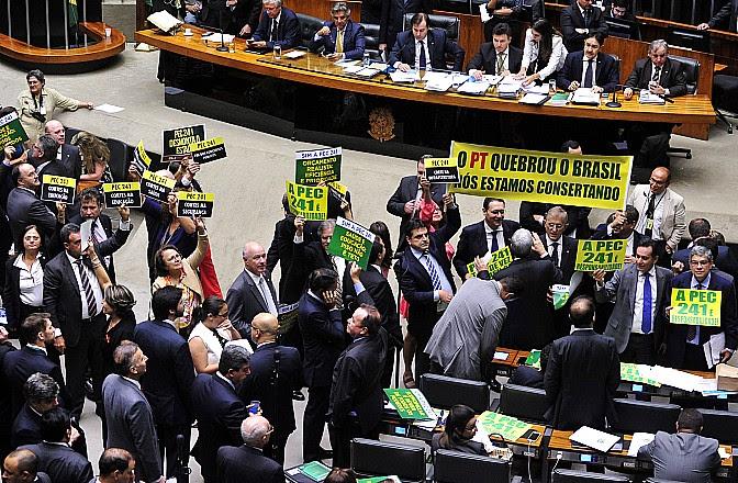 Bancada do Pará deu 12 votos para aprovação da PEC que congela gastos federais, pec dos gastos públicos. Foto - Agencia Camara