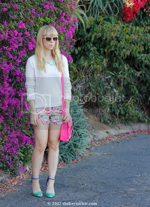 H&M pearl collar necklace, floral print shorts, Zara colorblock heels, Los Angeles fashion blogger, southern California style