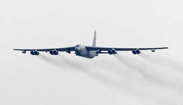 Unjuk Kekuatan, Tiga Bomber Amerika Terbang Bersama di Pasifik