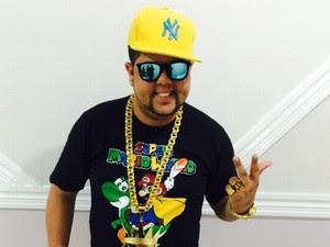 O cantor coleciona record de público em todo Brasil.  (Foto: Divulgação/A Quatro Comunicação)