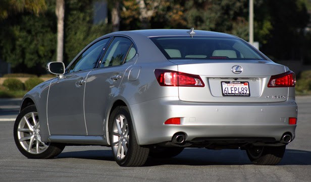 2011 Lexus IS 250 AWD rear 3/4 view