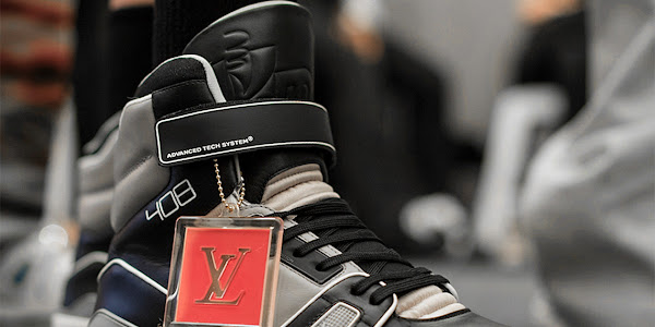5acfa1059d5d Google News - Virgil Abloh Louis Vuitton show at Paris fashion Week ...