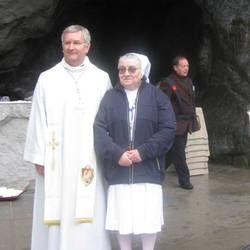 La suora a Lourdes