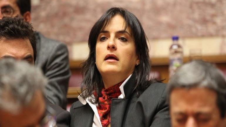 ΠΑΣΟΚ: Εμβληματικό πρόσωπο του πολιτικού τυχοδιωκτισμού η Ελ. Παναρίτη
