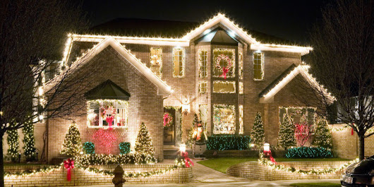 "The 12 Major ""Dont's"" of Holiday Decorating"