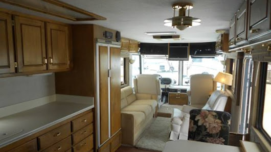 See what this retro RV looks like after a beautiful makeover