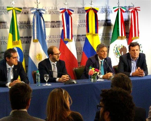 Shunko Rojas, Braun, Cabrera y Etchegoyen, ayer, al hacer el anuncio