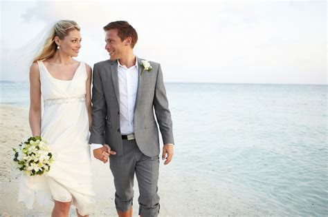 ultimate guide  casual wedding attire  men