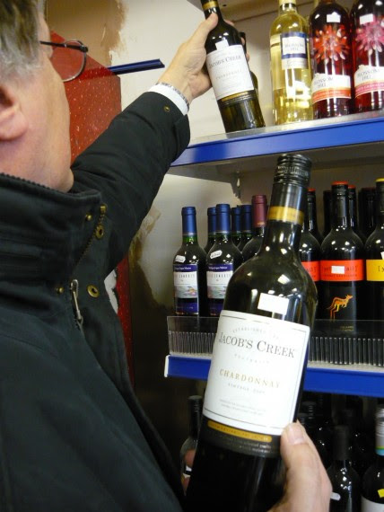 Clampdown planned as UK loses millions to wine fraud |