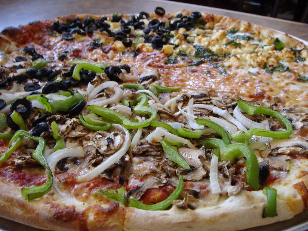 Mulit-vegetarian pizza