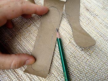 Desenhe o molde das pétalas em cada tira