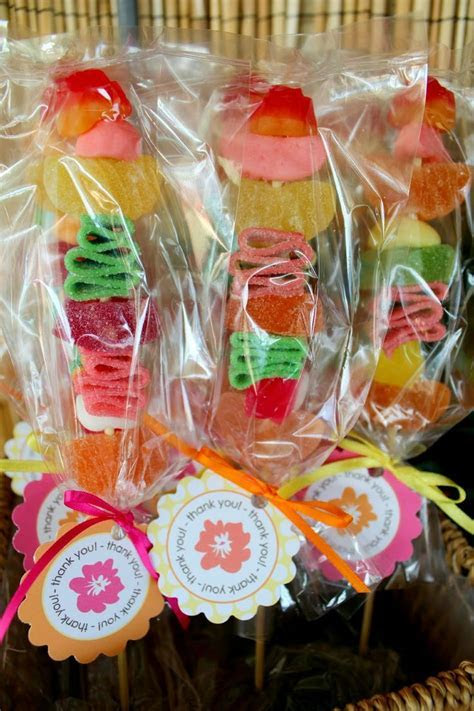 25  best ideas about Hawaiian party favors on Pinterest