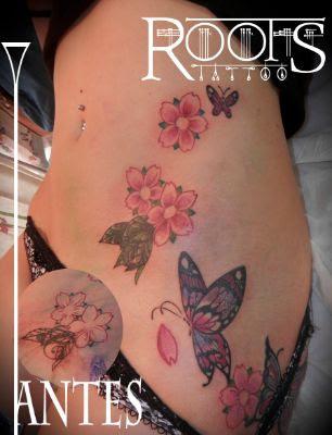 Tatuaje Mariposas Y Flores De Almendro Roots Tattoo Granada
