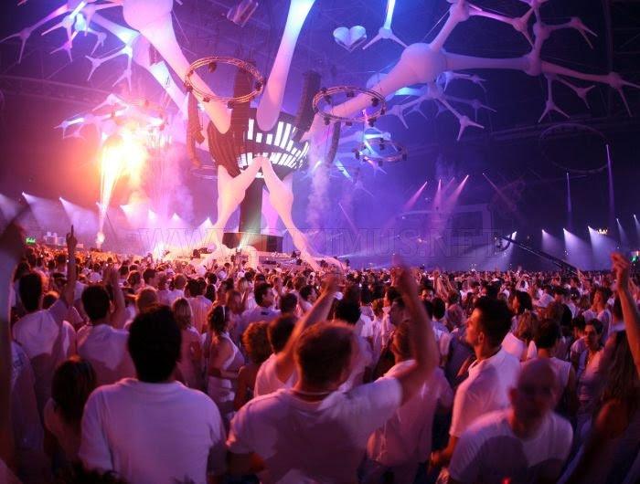 http://piximus.net/media/5306/amazing-light-show-rave-parties-3.jpg