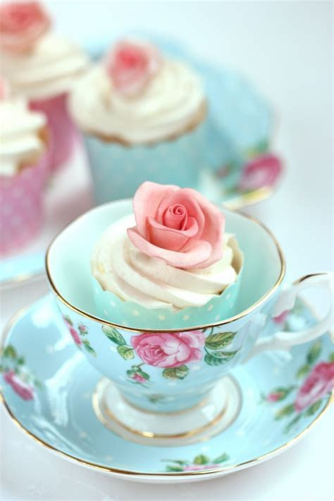 Buttercream Frosting Recipe & and an Untold Sugar Flower