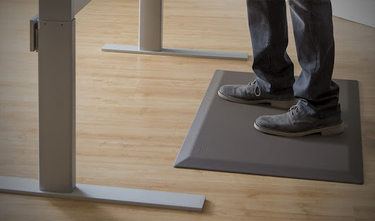 Anti-Fatigue mats - How to use rubber mats with a standing desk.