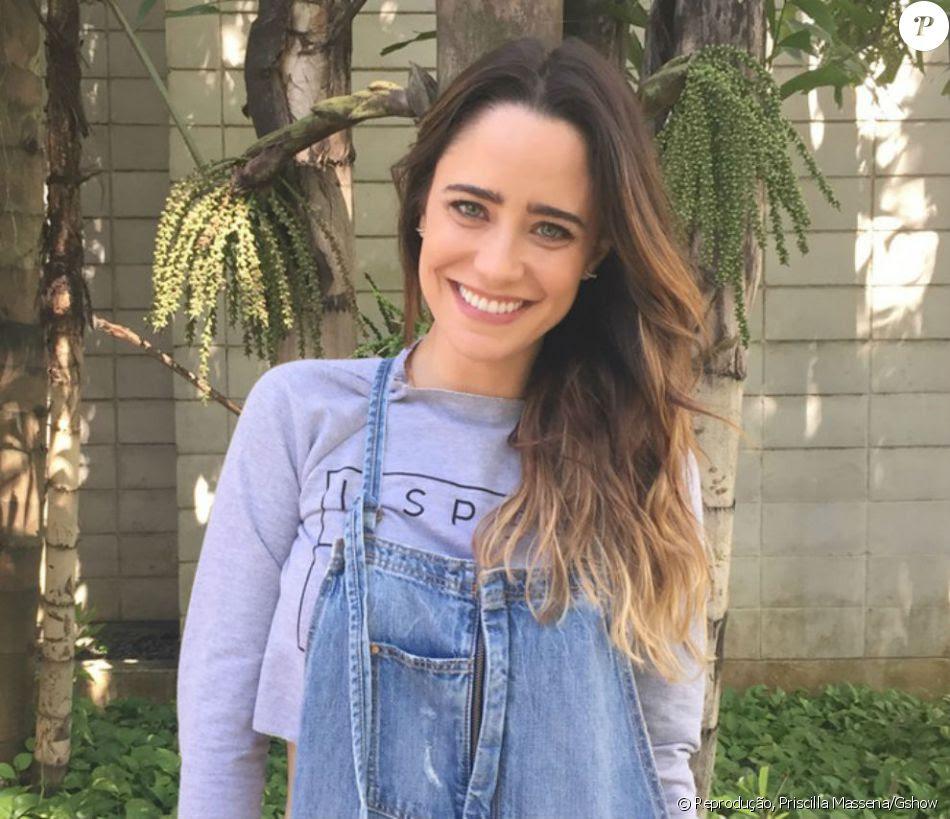 Fernanda Vasconcellos deu adeus aos fios longos e adotou cabelo curto nesta quinta-feira, 10 de novembro de 2016