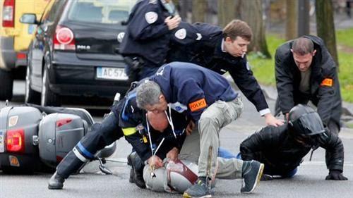 Ação conjunta da polícia da França termina com terroristas mortos