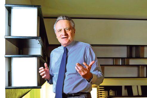 Philippe Villin dans son bureau parisien.