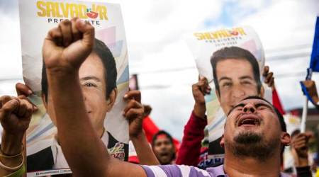 Amid disturbances, Honduras to hand-count final votes