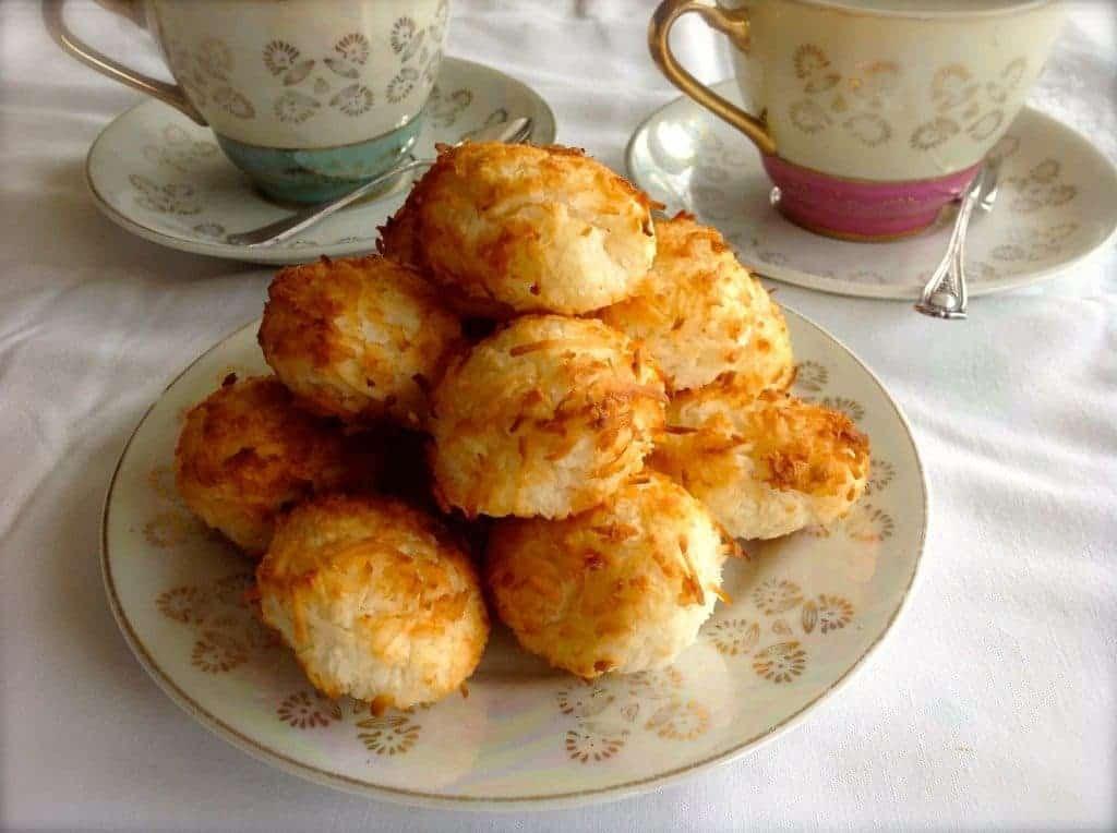 Sugar Free Macaroons | ditchthecarbs.com