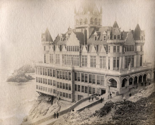Vintage Photography : Cliff House, San Francisco - Vintage.tn | Leading Vintage Magazine, featuring best Vintage Inspiration, retro ideas and Rare Historical Photos