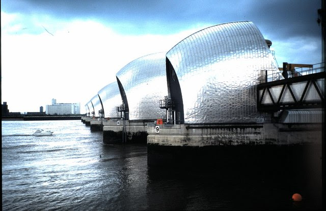 Thames Barrier (1986) - geograph.org.uk - 851787
