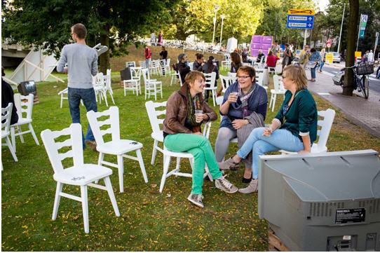 amsterdam white chairs