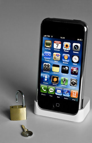 Top reasons why an unlocked iPhone is more useful than a locked one
