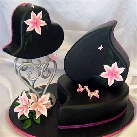 Best 25  Heart wedding cakes ideas on Pinterest   Pastel