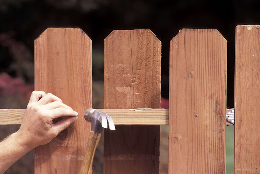 Need Help Choosing a Fence for Your Family? | Fence Maintenance Service