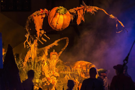Halloween Horror Nights Vacation Package – Featuring Loews Sapphire Falls Resort
