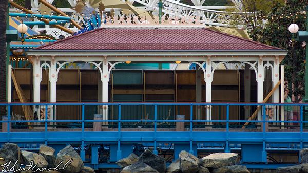 Disneyland Resort, Disney California Adventure, Toy Story Midway Mania, Queue, Shade, Structure