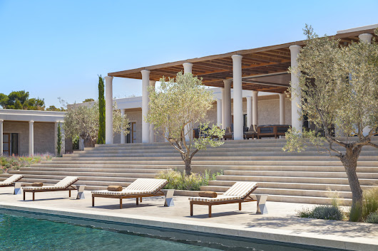 7 Over The Top Villas to call home for your next Easter Holidays | Travel Luxury Villas