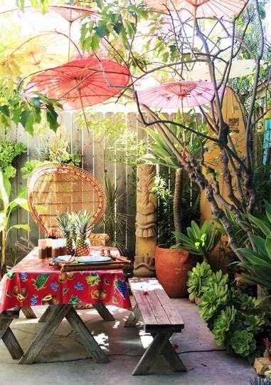 A tropical patio