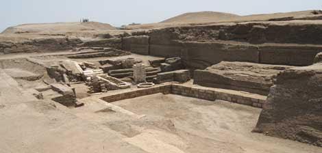 Lago sagrado en el Templo de Mut, en la antigua ciudad de Tanis.