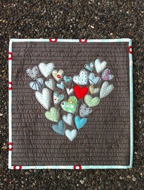 I Love Lovely Babies: Quilt idea from old baby clothes.