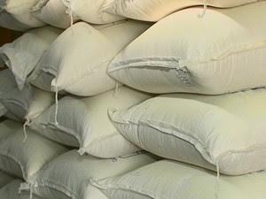 Farinha de mandioca produzida em Jupi (Foto: Reprodução/ TV Asa Branca)