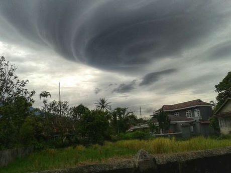 Awan kiamat muncul di Padang Panjang !
