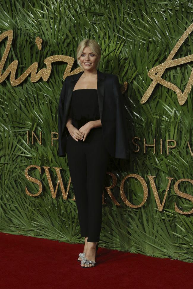 british fashion awards alfombra roja Holly Willoughby